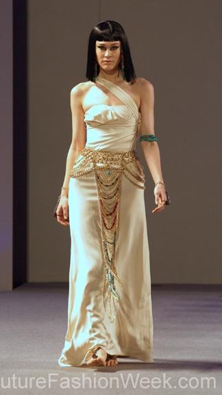 #moteuke #couture #stil #design #modell #kvinne #mote #fashion #2013 #laureluxe #fotsid #kjole #offwhite