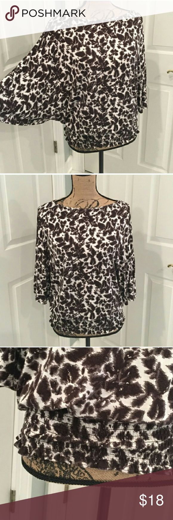 HEAD TURNING MK FABULOUS BLOUSE! 😘 Ladies, this blouse is absolutely gorgeous and unreal! Definitely a head turner! Wear to the office with slacks and a jacket or skirt. Throw on your favorite jeans and stilettos. Either way, you're going to look very hot in this, Michael Kors, blouse. Has been worn a couple times but still in mint condition! Was recently dry-cleaned and not worn since! Ladies don't pass up this great deal! 😘 😘 😘 Michael Kors Tops Blouses