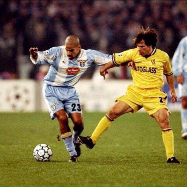 """""""Juan Sebastian Veron against Gianfranco Zola in Lazio-Chelsea @official_sslazio @chelseafc"""""""