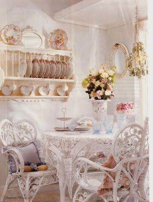 Romantic dining with wicker chairs. 193 best Romantic Furniture images on Pinterest   Beautiful space