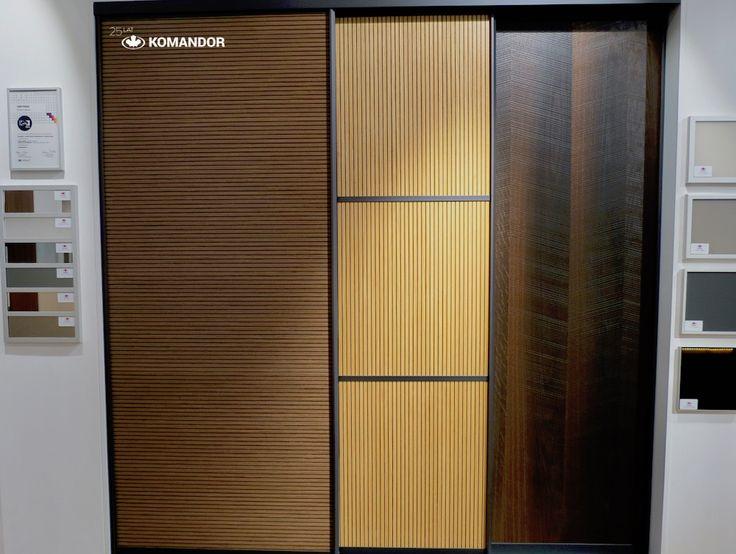 Wzory drzwi przesuwnych Komandor  1. lamperia z fornirem Orzech Canaletto, 2. lamperia z fornirem Dąb, 3. fornir Dąb Dymiony Skośny