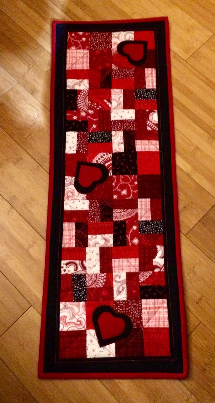Small table runner from scraps