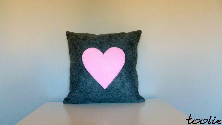 Lovely flet handcraft for Valentine's Day:) Meet us: www.facebook.com/tooliepolska