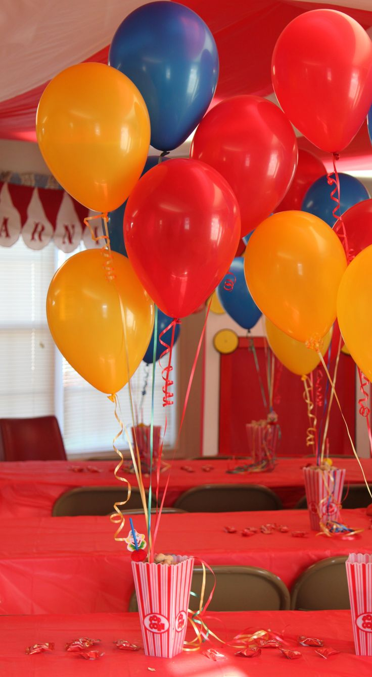 25 best ideas about circus decorations on pinterest for Balloons arrangement decoration