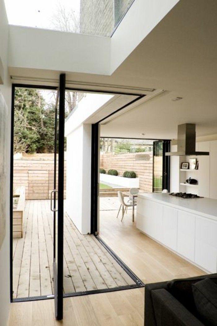 idee deco cuisine,sol en parquet clair, cuisine d angle couleur blanche, sol en parquet massif chene couleur clair