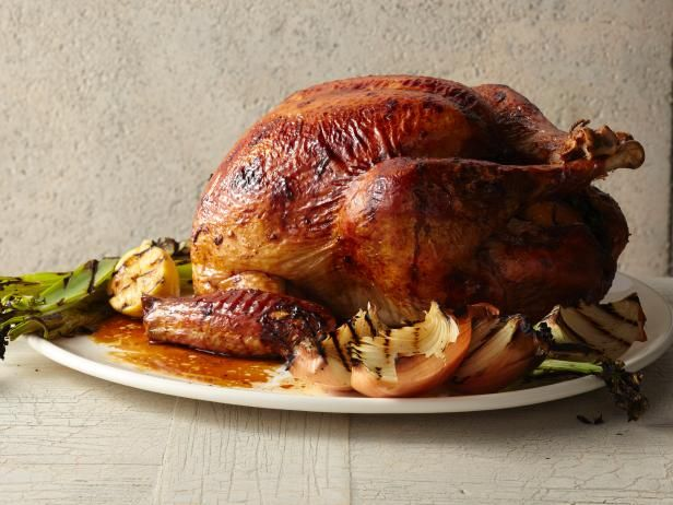 North Carolina-Style BBQ Turkey : Try something a little different this year, with a barbecued bird.