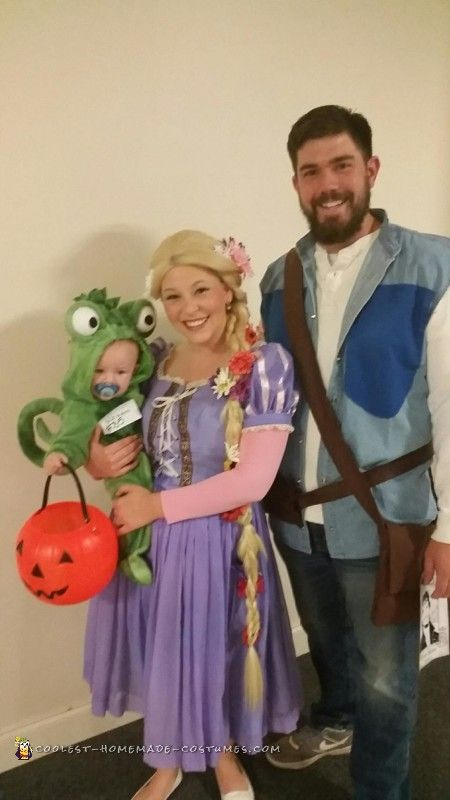 tangled family costume homemade costumesdiy costumeshalloween costumescostume ideasfamily - How To Make Homemade Costumes For Halloween