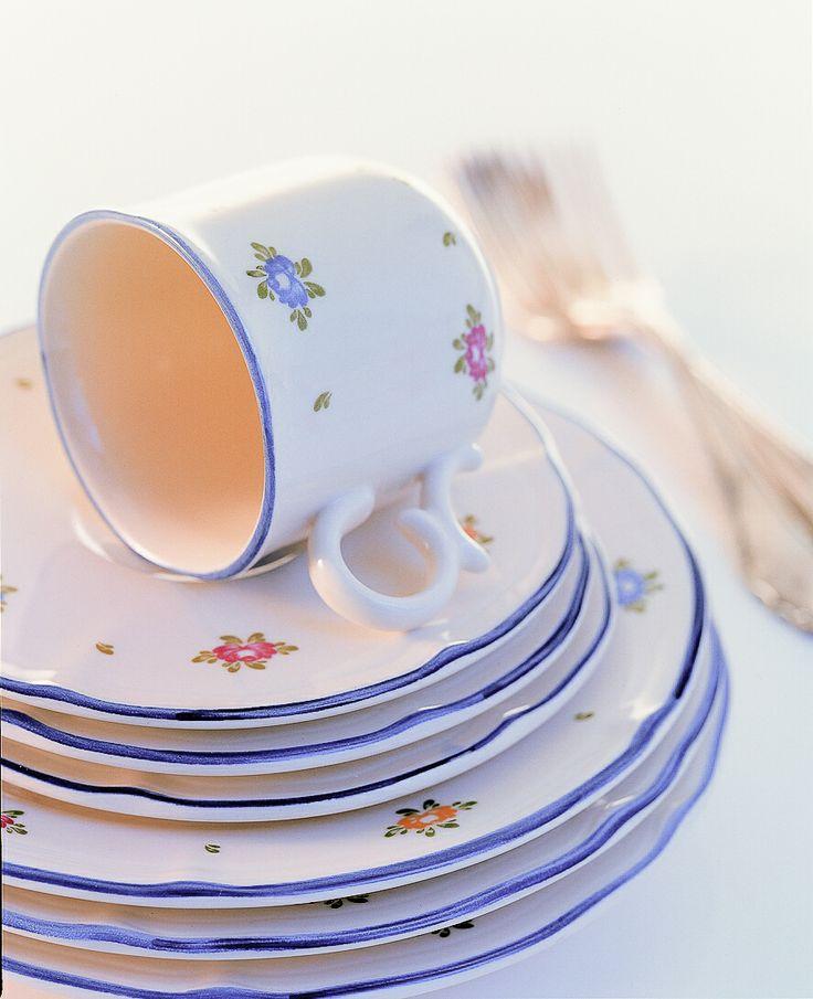 """Zaproś róże do swojej jadalni, zaproś kwiaty do Twojego stołu. Kolekcja """"Petite Rose"""" Zeller Keramik."""
