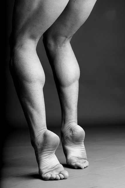 Barisnikov. Famous Rusian Ballet Dancer who defected to the US from the Soviet Union.  Note: his form, his strength......the position of his feet....and what about those those strong toes!!  Beautiful!
