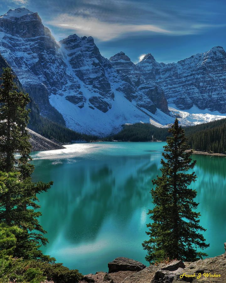 ✮ Morraine Lake in Banf National Park - Canada