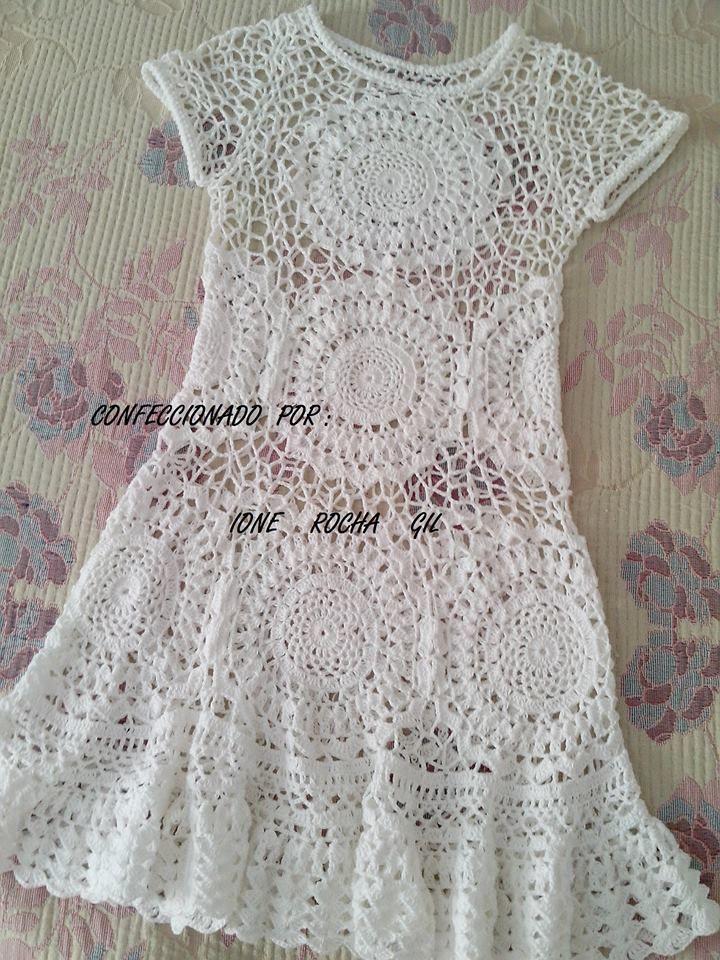 Lindo vestido feito por Ione Rocha Gil. No facebook tem detalhes da confecção https://www.facebook.com/photo.php?fbid=581793958618389&set=a.194761450654977.45887.100003633716220&type=1&theater