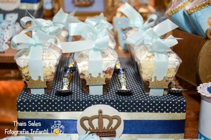 King + Prince themed birthday party with So Many Cute Ideas via Karas ...