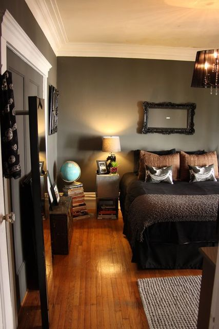 Hmmmmm the floor and wall color already look like our bedroom. Deep colors, wood floor, chandelier with dark shade