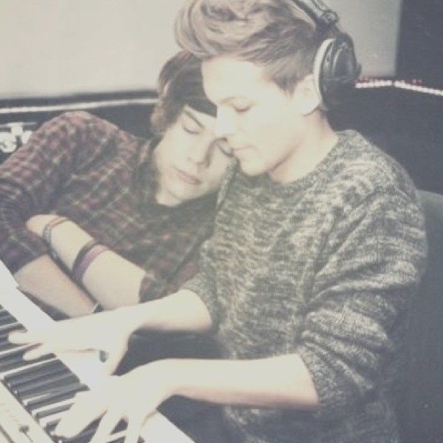 "The most beautiful couple in the world "" Choose a sound Louis """
