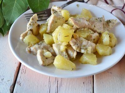 http://blog.giallozafferano.it/ricetteditina/straccetti-di-pollo-con-patate/
