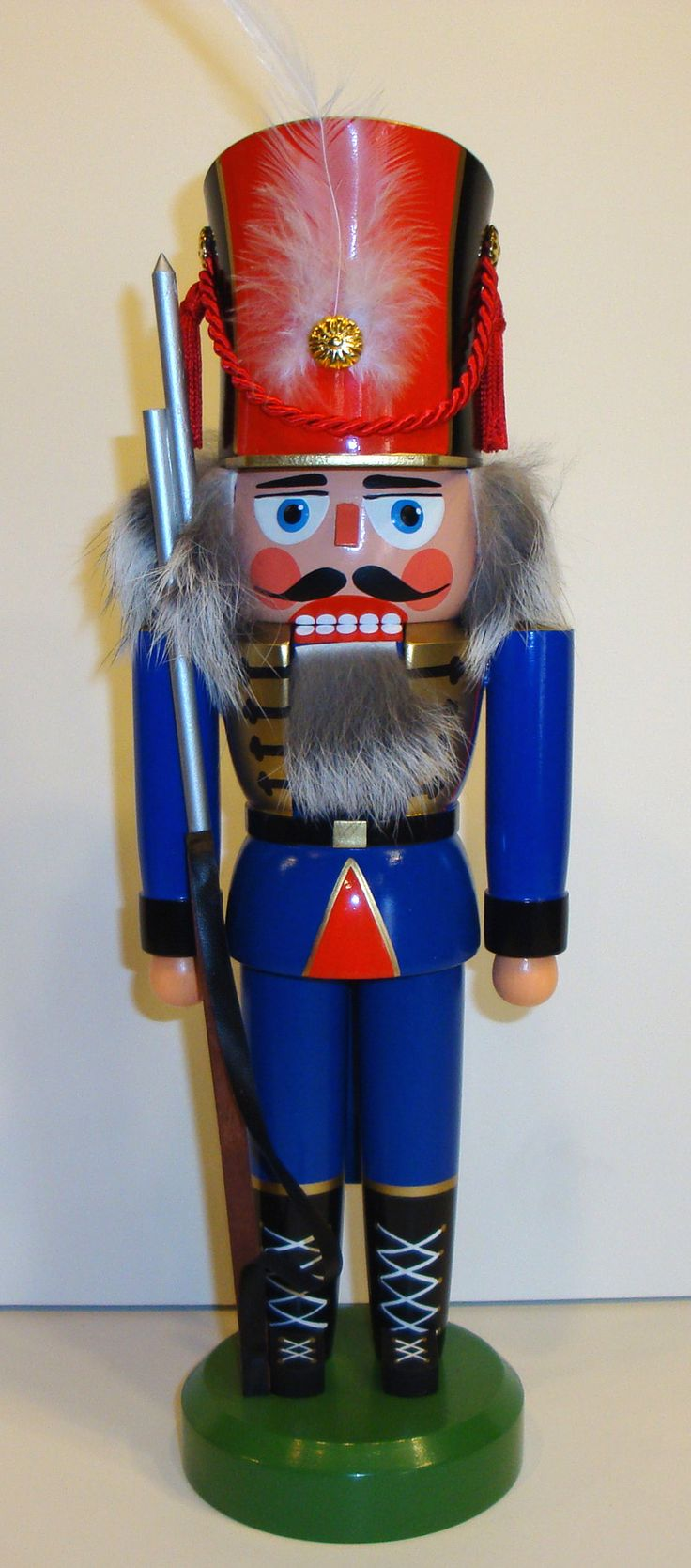 How to make a nutcracker christmas decoration - Diy Nutcracker Decorations See More Nutcrackers Christmas German Seiffen Glasser Gahlenz Nutcrackers Decorations