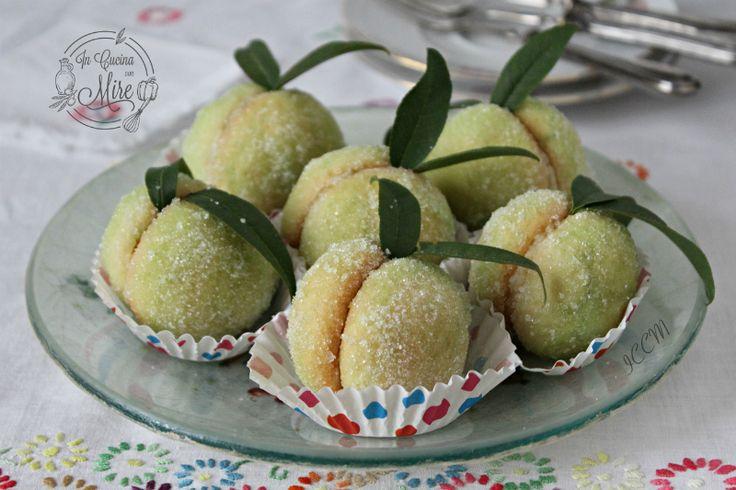 Pesche dolci al limoncello, senza alchermes #gialloblog #foodporn #natale2016 #gialloblogs #foodblogger #incucinaconmire
