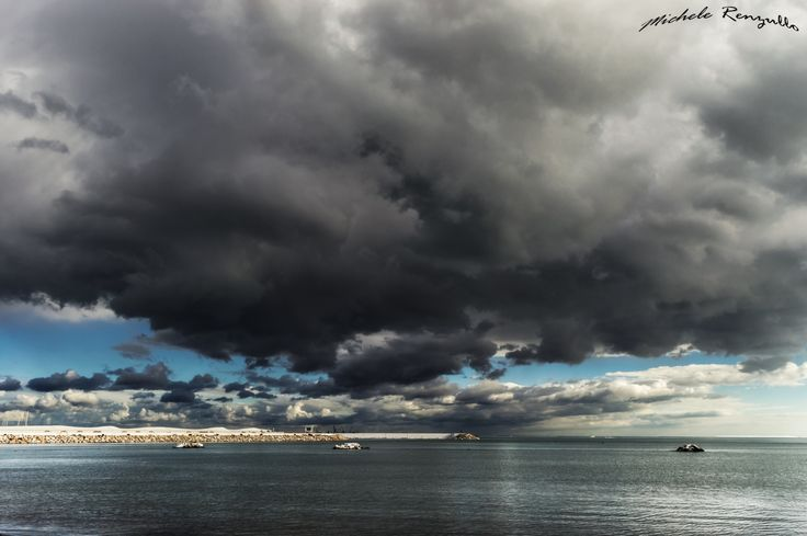 Stormy horizon by Michele Renzullo on 500px