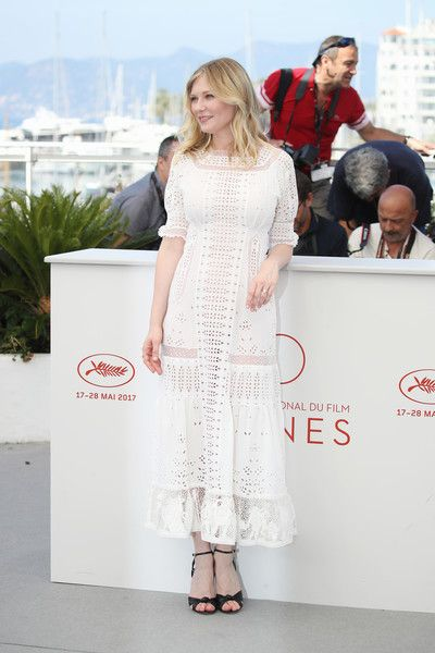 """Kirsten Dunst Photos Photos - Kirsten Dunst attends """"The Beguiled"""" photocall during the 70th annual Cannes Film Festival at Palais des Festivals on May 24, 2017 in Cannes, France. - 'The Beguiled' Photocall - The 70th Annual Cannes Film Festival"""