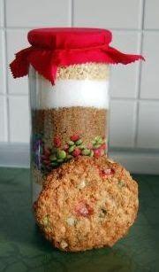 Cookies aus dem Glas sind ein tolles Geschenkt für jede Gelegenheit. Entdeckt habe ich diese Idee auf dem Blog von Evi und auch gleich diese...