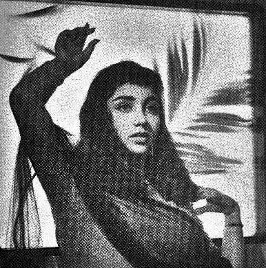 Sadhana Shivdesani (Bollywood veteran actress) an old pic...