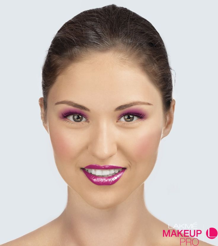 Check out my makeover created using the Lakmé Makeup Pro app! https://appsto.re/in/6qwp9.i