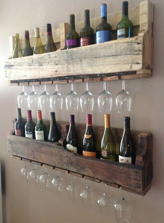 Old pallet = wine rack
