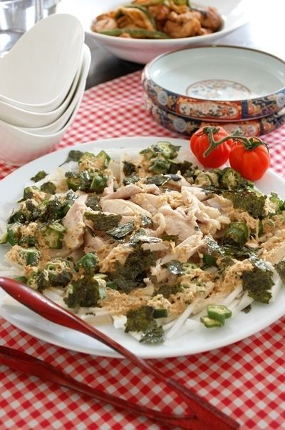 ゆで鶏とオクラの大根サラダ~マヨポンごまドレッシング~&ロンドンでロブスター