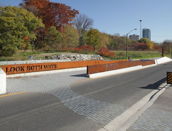Pottery road bicycle and pedestrian crossing toronto for Landscape architecture canada