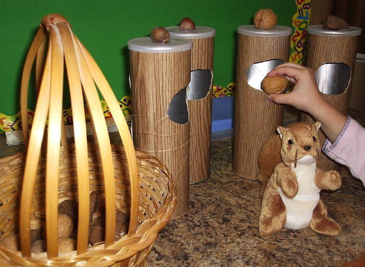 * Samen eekhoorn noten sorteren in een pringlebus!