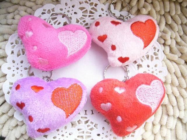 Маленькое в форме сердца плюшевые игрушки куклы куклы любовь в форме украшения небольшой автоаксессуары поставок небольшой кулон для девочек оптовая продажа