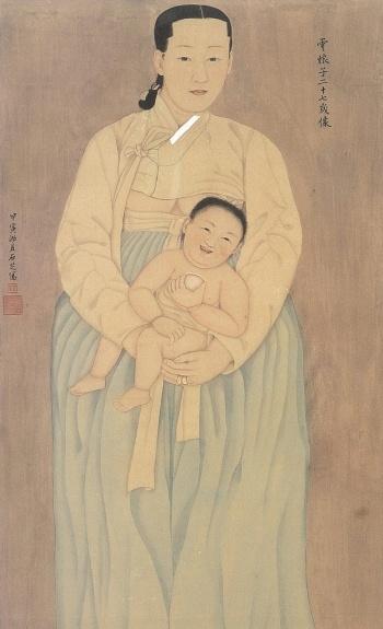 조선시대의 여인의 모습을 그린 초상화는 좀처럼 찾기 힘들다. 임진왜란으로 소실되었거나  유교사상의 탓으로 여인의 모습을 화가가 바라보며 그리는 일은 무례한 행동으로 여겨졌기에 여인들의 초상화 제작이 곤란했기 때문이다. 다행히 몇몇 작품은 잘 보존되어 전해지는데, 조선시대 말기에 그려진 < 운낭자상 >은 몇 점 안되는 우리나라 여인 초상화의 걸작으로 손꼽히고 있다. 운낭자는 홍경래난 당시 나라와 지아비에 대한 충절과 의열을 헌신적으로 보여준 기녀로, 화가 채용신이 그녀를 기리고자 상상하여 그린 것이라 한다.  운낭자가 사내아이를 안고 서있는데, 가슴을 살짝 드러내어 모성성이 더 묻어나는 것 같다. 정말 단아하다.