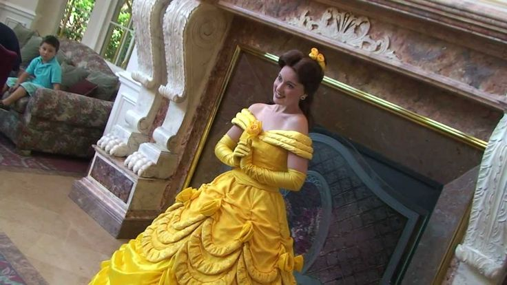 Princess Belle in Disneyland Paris (Disneyland Hotel)