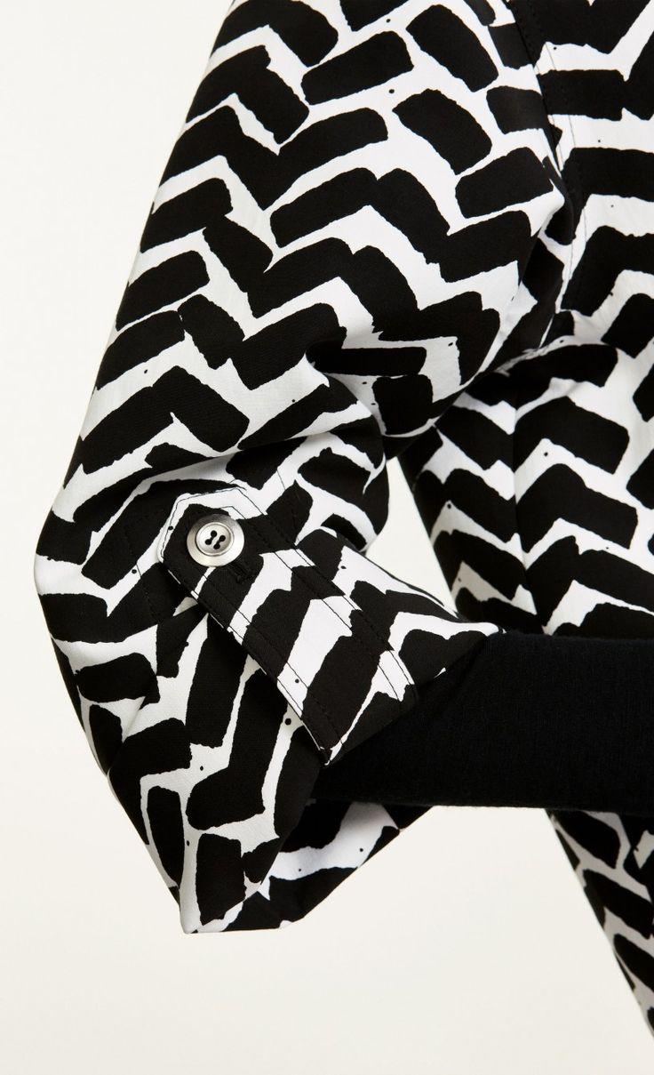 Mimilia Iso Sahalaitaraita  coat - off-white, black  - Marimekko.com
