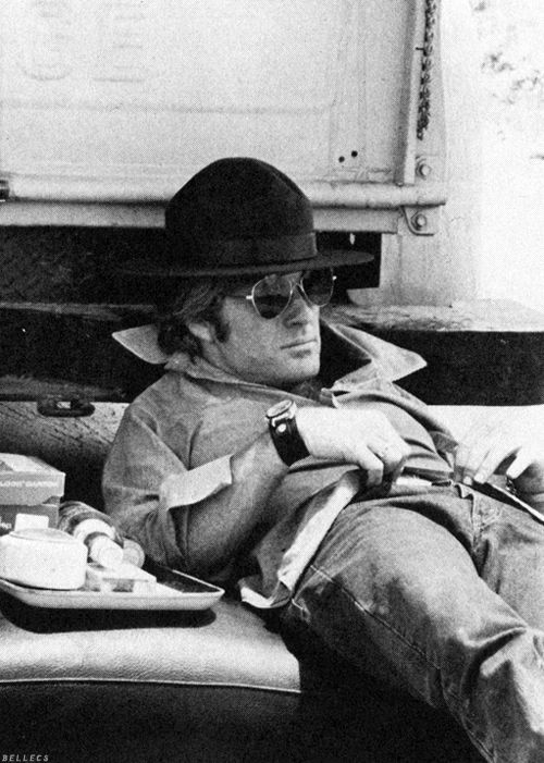 Robert Redford relaxing behind the scenes of 'Little Fauss and Big Halsy', 1970, directed by Sidney J. Furie. S)