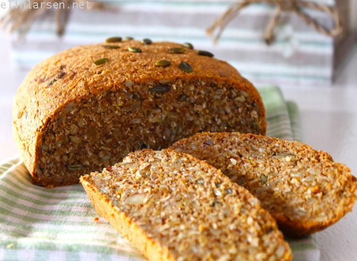 Nybakt brød med frø og kjerner (gluten & sukkerfritt)