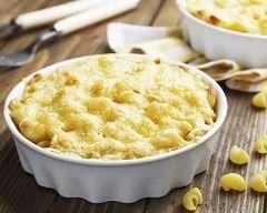 Gratin de coquillettes à la vache qui rit et au curry : http://www.cuisineaz.com/recettes/gratin-de-coquillettes-a-la-vache-qui-rit-et-au-curry-48681.aspx