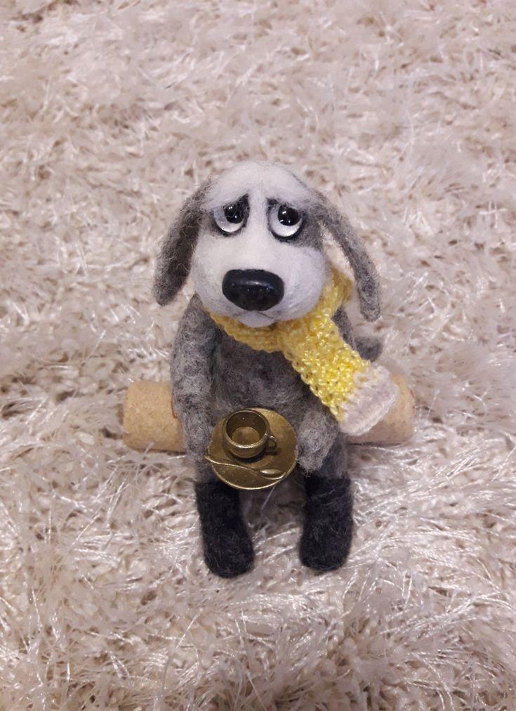 Пёс Филя игрушка выполнена в технике сухого валяния шерсти