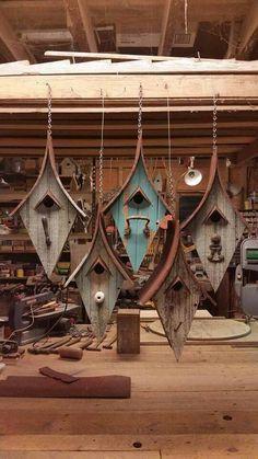 Verwenden Sie alte Holz- und Glasgriffe aus meinem Kinderzimmer, um etwas Ähnliches herzustellen