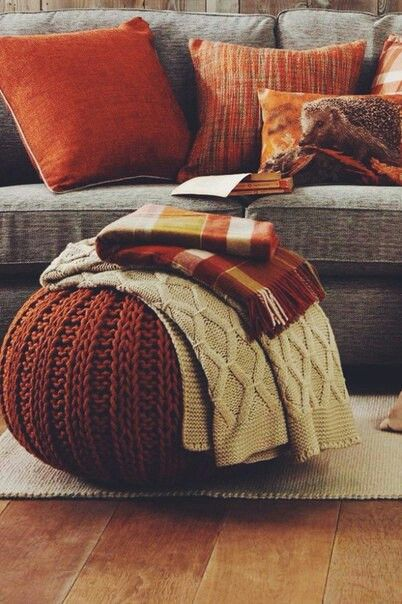 Grey and burnt orange; the perfect autumnal colour scheme!