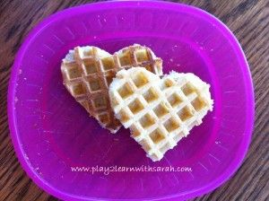 valentine food http://play2learnwithsarah.com/easy-valentines-day-meals-for-kids/