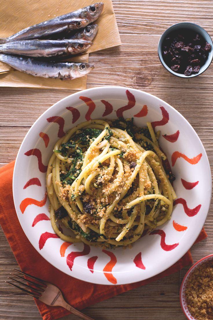 Pasta con le sarde: tutti i sapori e i profumi mediterranei racchiusi in un primo piatto della tradizione siciliana. [Pasta with Sicilian pilchards]