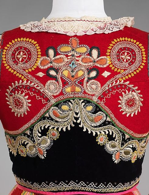 Португалія FolkCostume&Embroidery: April 2013