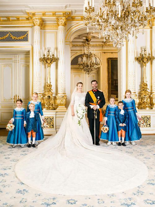 Luxembourg Royal Wedding Love the color of the dresses and that train is huge! Countess Stephanie de lannoy