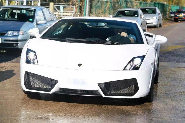 Too much money?Man Utd Goalie Sergio Romero Buys N62.7m Lamborghini