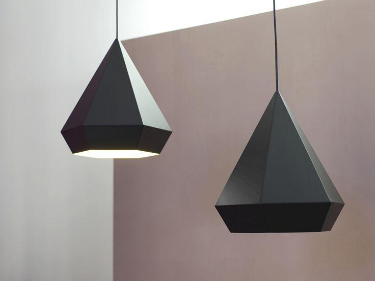 #lámparas en forma de diamante de Sebastian Scherer.