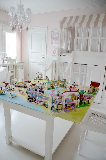 Girl Lego table - my daughter definitely needs one of these. She has too  many Lego sets.
