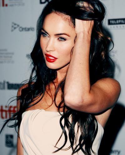 girl doesnt even need makeup but i love her lipsRed Lipsticks, Makeup Tutorials, Girls Crushes, Dark Hair, Meganfox, Black Hair, Long Hair, Megan Foxes, Beautiful