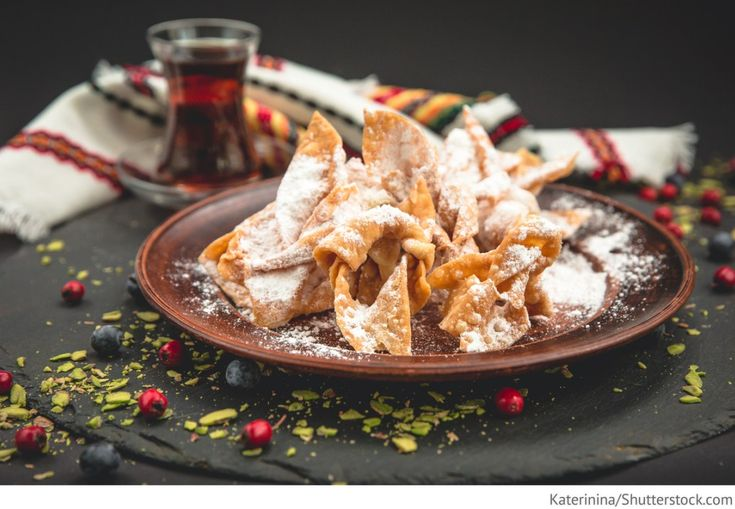 Russischer Chworost Chvorost s sacharnoj pudroj - Хворост с сахарной пудрой