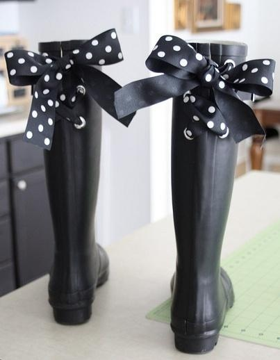 Alter these rain boots with this tutorial and 45 OF THE BEST FRENCH INSPIRED CRAFT TUTORIALS EVER with their links! Absolutely incredible. GIFTS, HOUSE, EVENT, WEDDINGS, DECOR, FLOWERS, COOKIES.